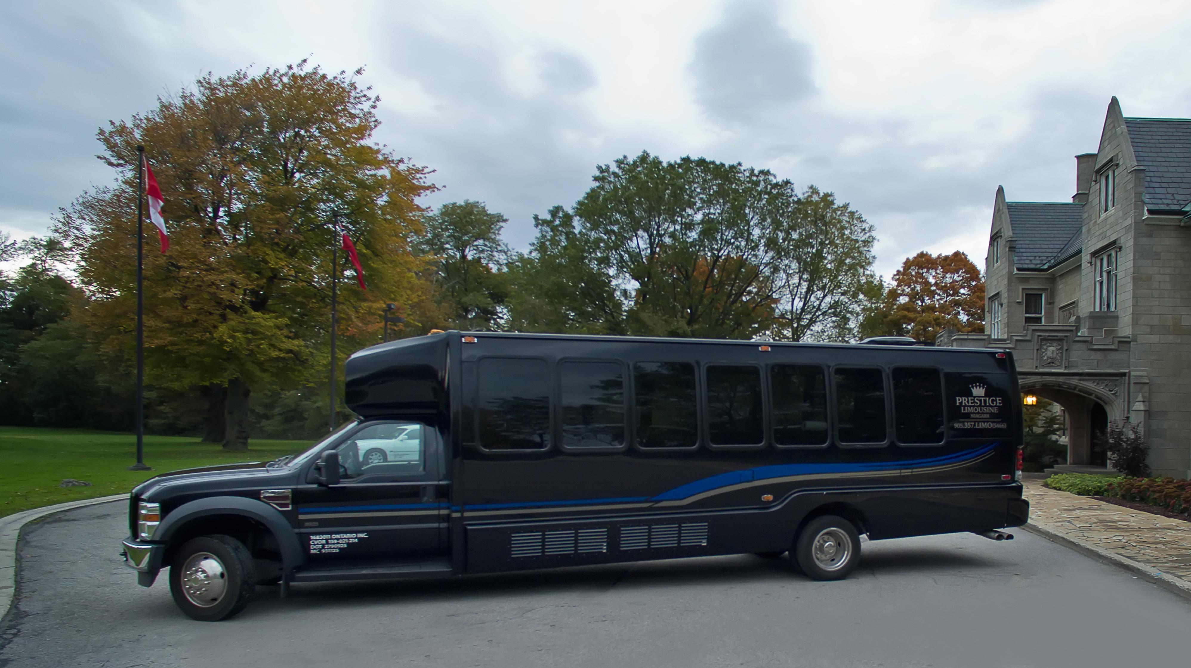 Prestige Limousine Niagara Fleet (4)