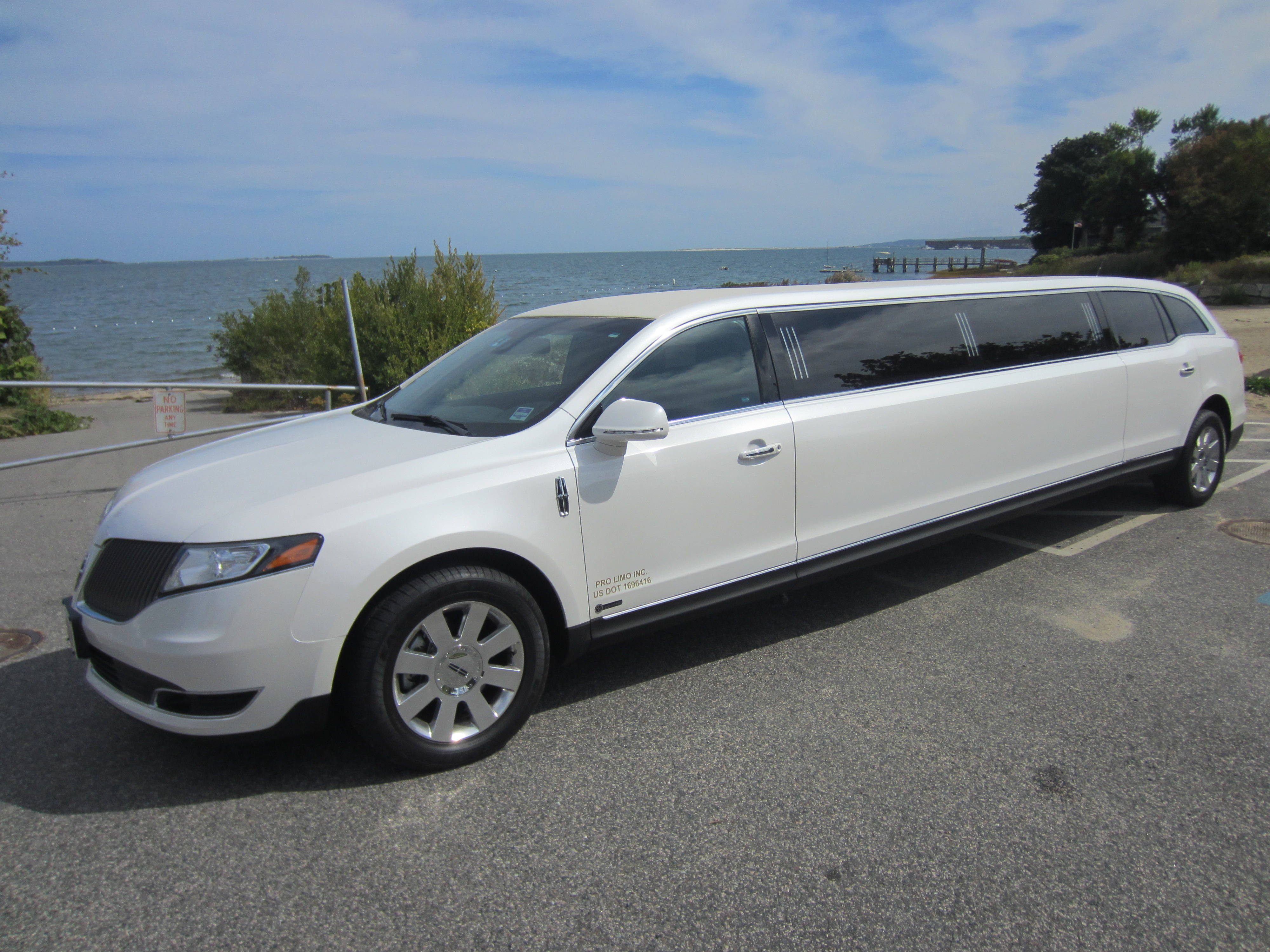for cars in auto sale img mkx lincoln mkt buds awd used listing